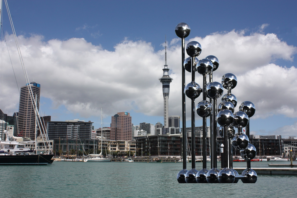 Sky Sculpture AUCKLAND by Hans-Leo Peters 2011 proposal as floating Sky Sculpture