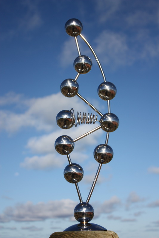 Sky Sculpture BABY, Kinetic Vibration by Hans-Leo Peters 2017