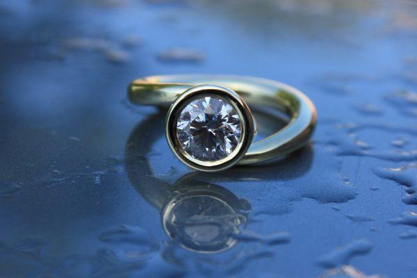 Diamond Ring in New Zealand Design 2019